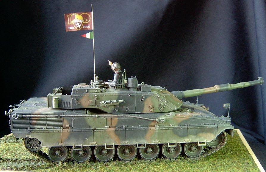 Italian C1 Ariete MBT © Luigi Cuccaro - Click to enlarge