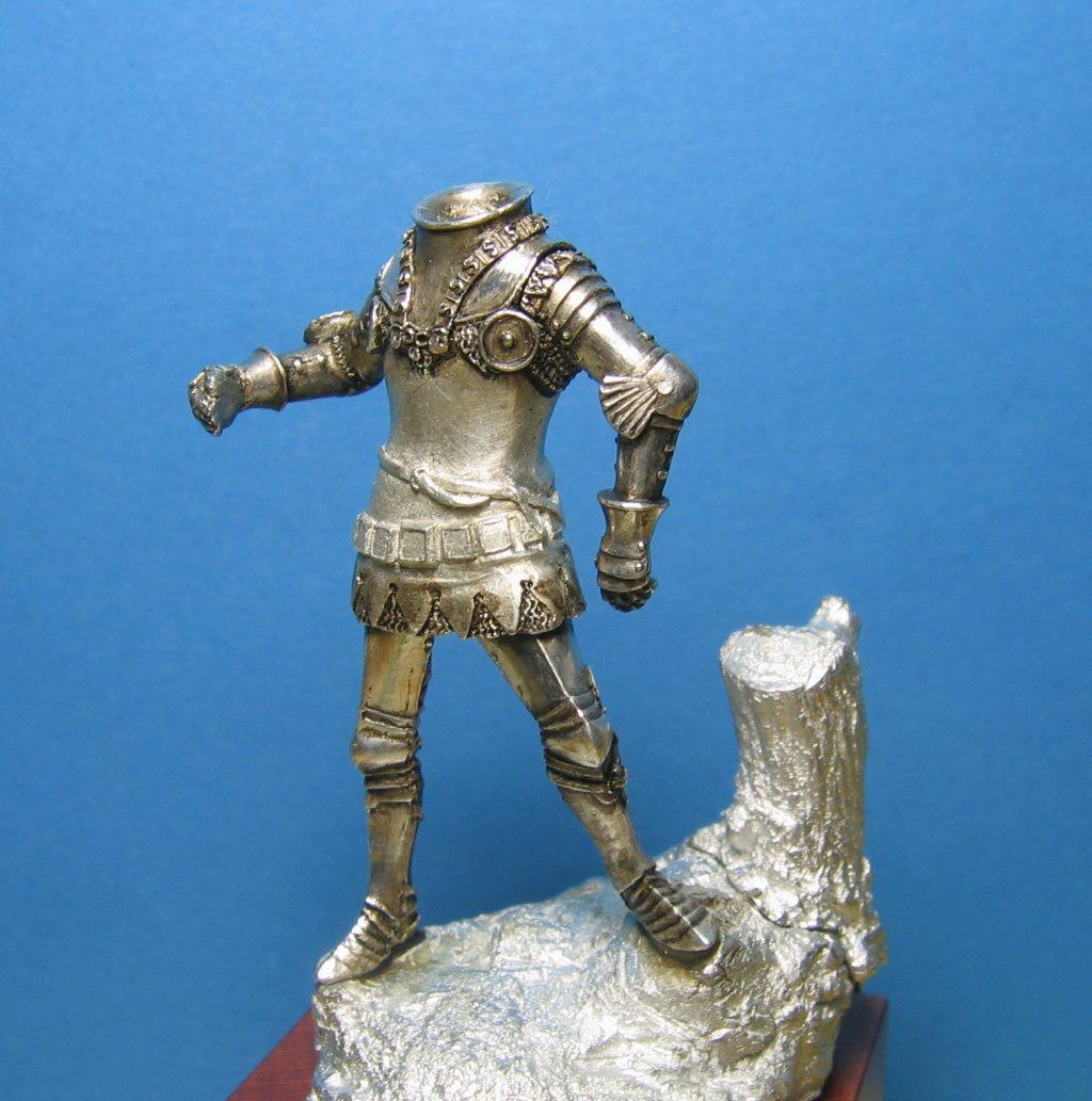 Henry V - Assemblaggio/finitura delle parti metalliche © Marco Berettoni - Click to enlarge